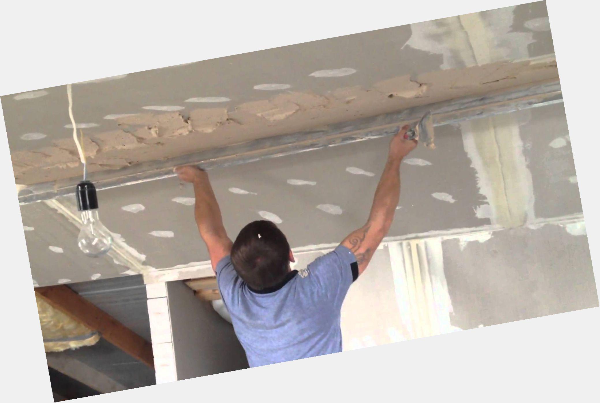 Штукатурить потолки своими руками