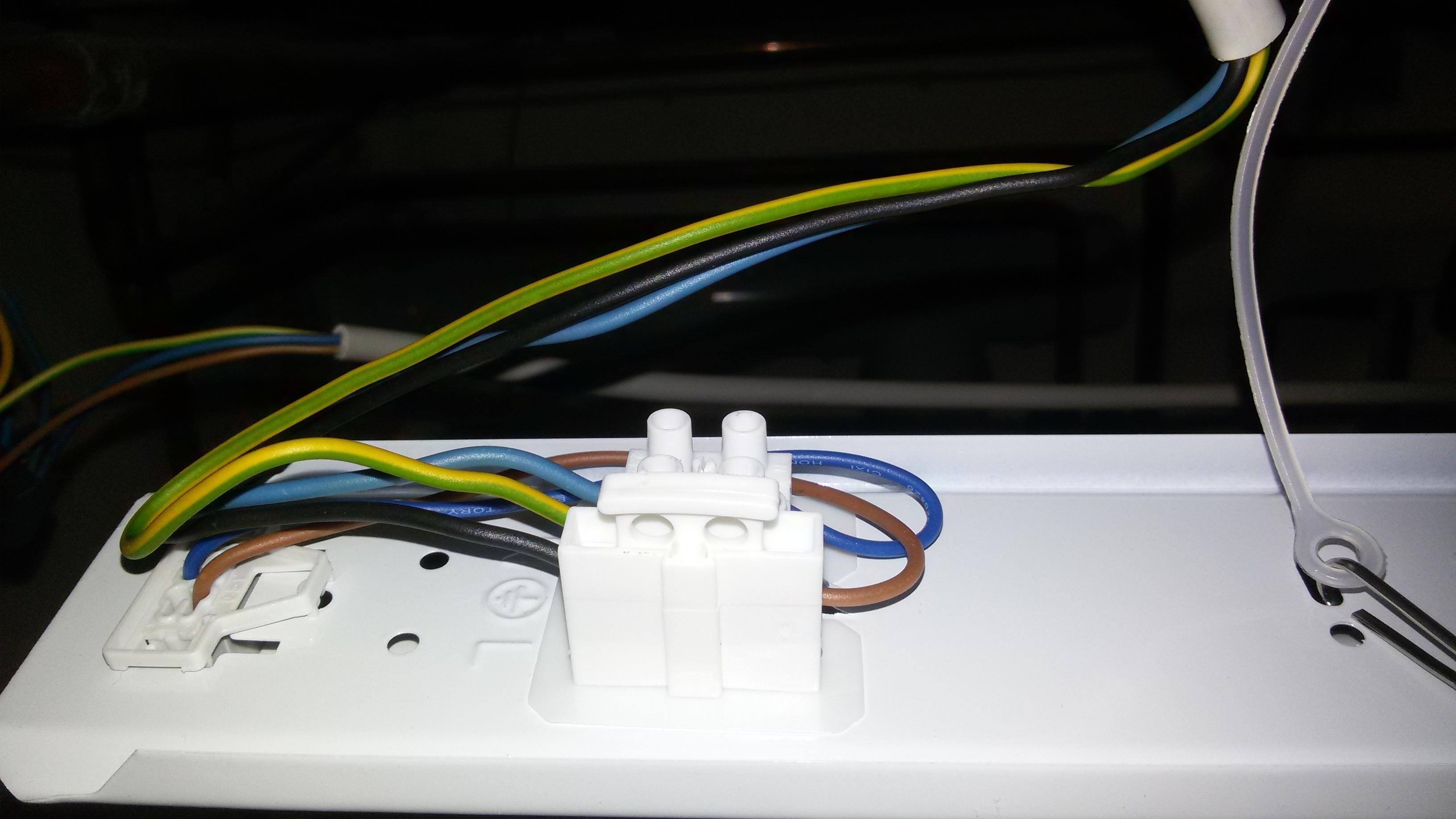 Led lampe flackert beim einschalten deptis inspirierendes neue ledleuchtstofflampe interne sicherung knallt beim led lampe flackert beim einschalten parisarafo Images