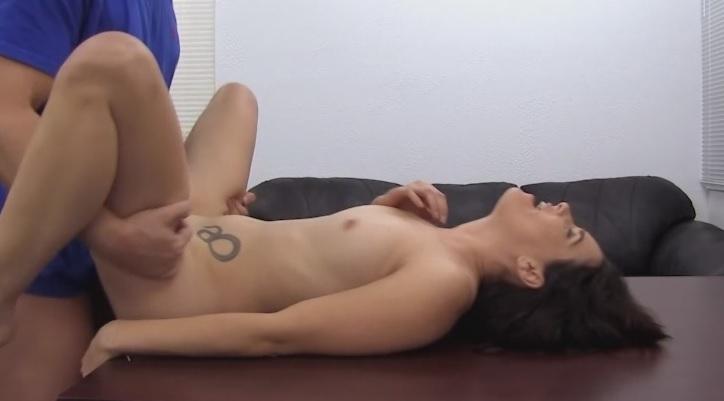 D7l4kb9w in Casting Couch 31 - Teeny beim ersten Pornodreh