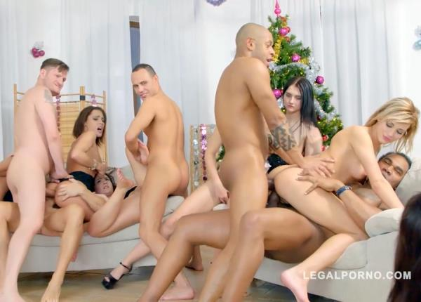 LegalPorno - Olivia Divine, Arwen Gold, Lita Phoenix, Sofi Goldfinger, Ria Sunn, Eveline Dellai, Anina Silk, Crystal Greenvelle - 10v10 Christmas Orgy! LP Christmas 2015! Featuring Many Of Our Best Models! SZ1168 (SD/1.76 GB)