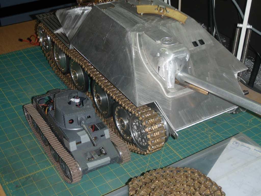 rc panzerketten forum kettenfahrzeuge 1 10 und gr er jagdpanzer 38t hetzer in 1 8. Black Bedroom Furniture Sets. Home Design Ideas
