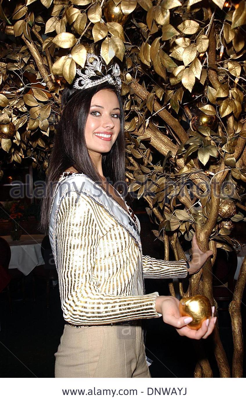 oxana fedorova, miss universe 2002 (renuncio). - Página 4 Sya38y7n