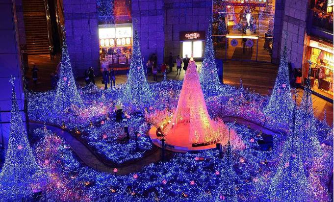 Weihnachten und Neujahr in Japan 47a8fdtd
