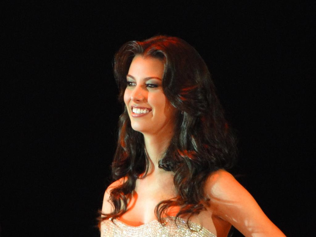 stefania fernandez, miss universe 2009. - Página 6 Vbkepyip