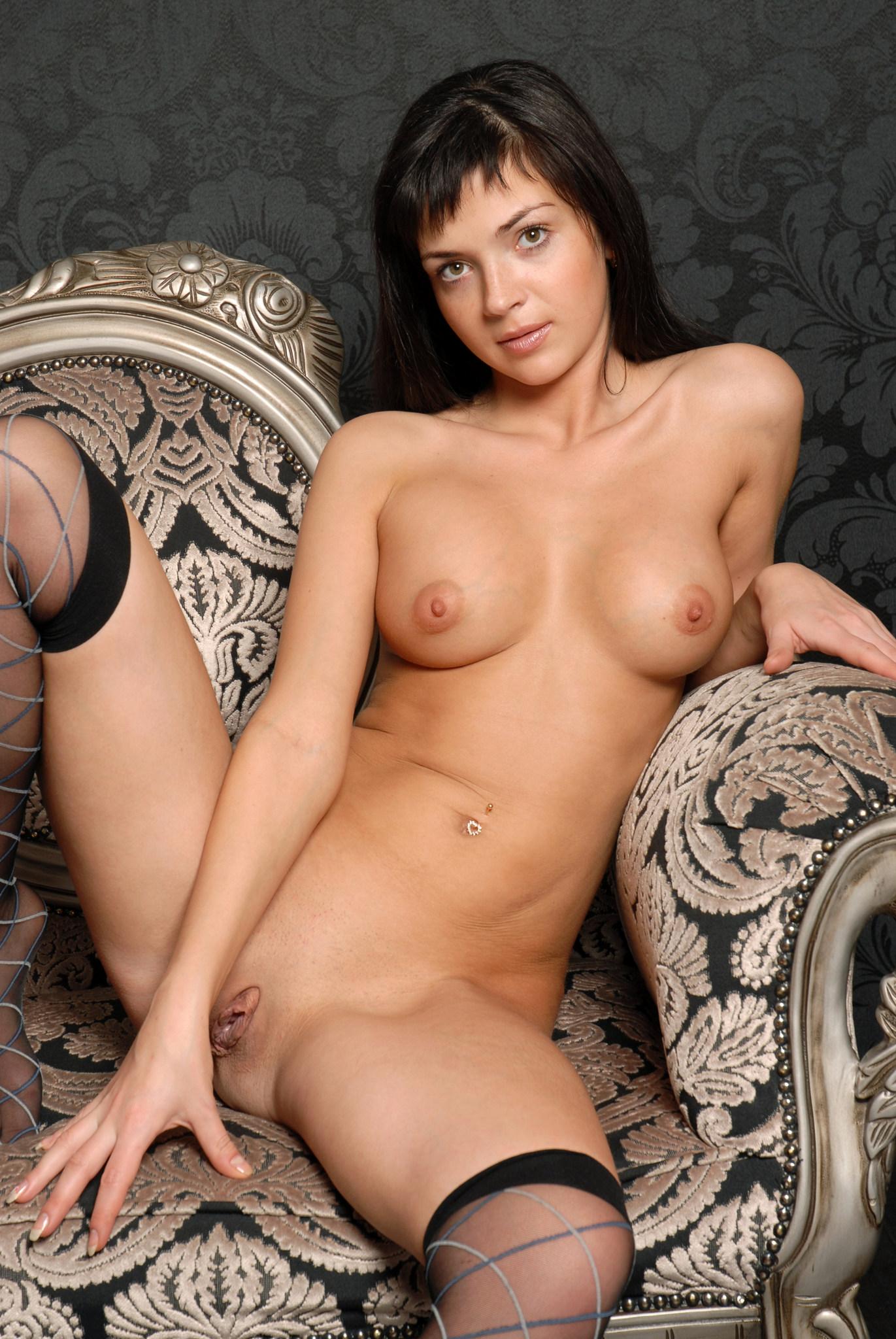 эротические фото стриженовой