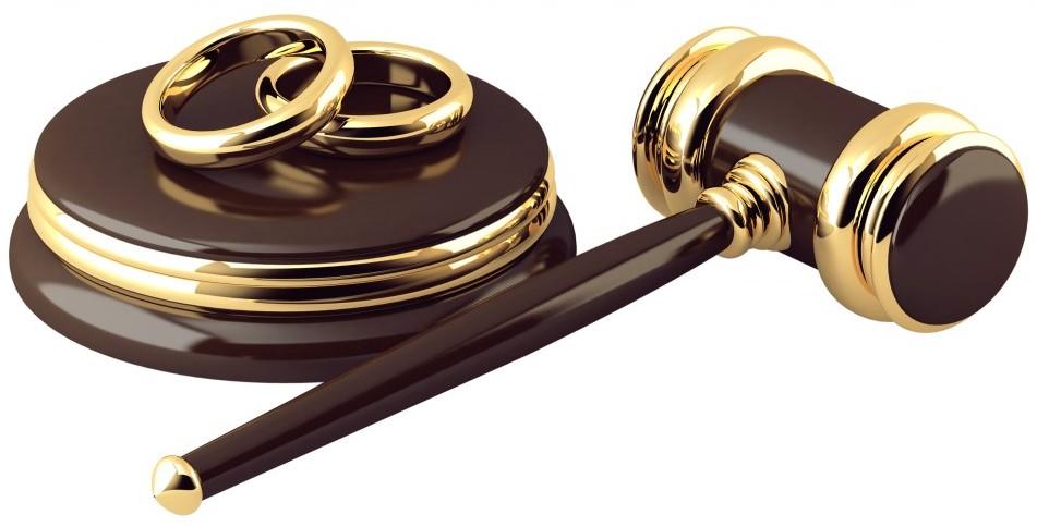 Картинки по запросу семейные споры в суде