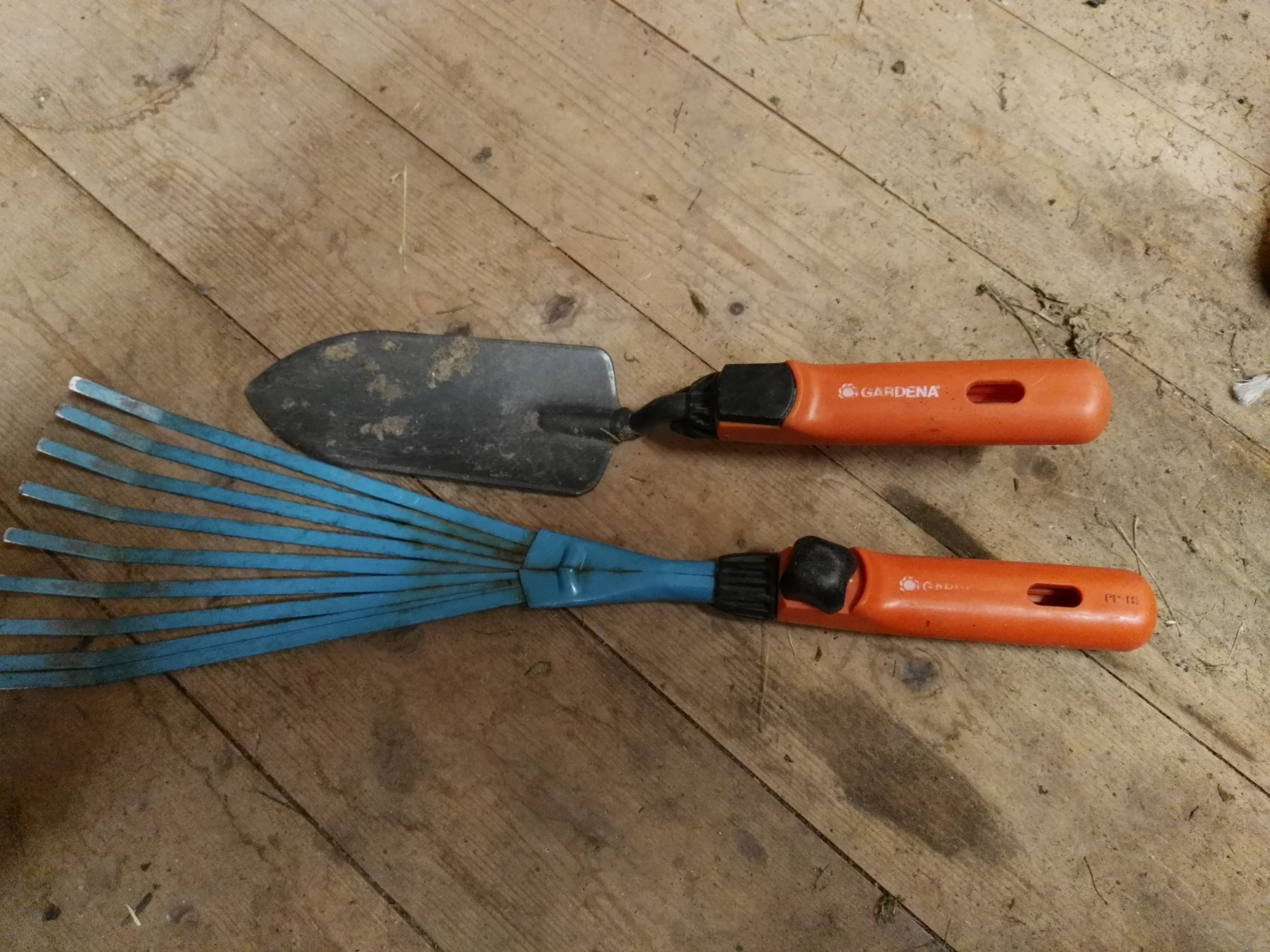 What kind of hand gardening tools are in your garage? [Archive ...