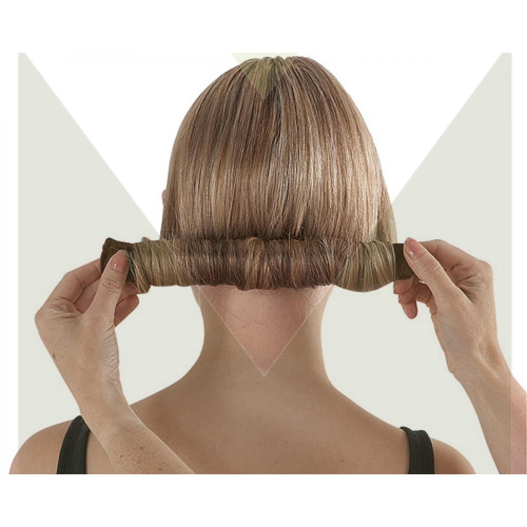 Как сделать сзади валик на голове
