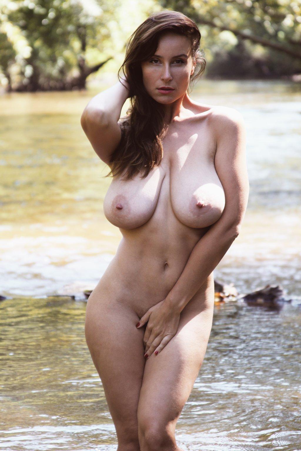 golie-starie-blyadi-foto