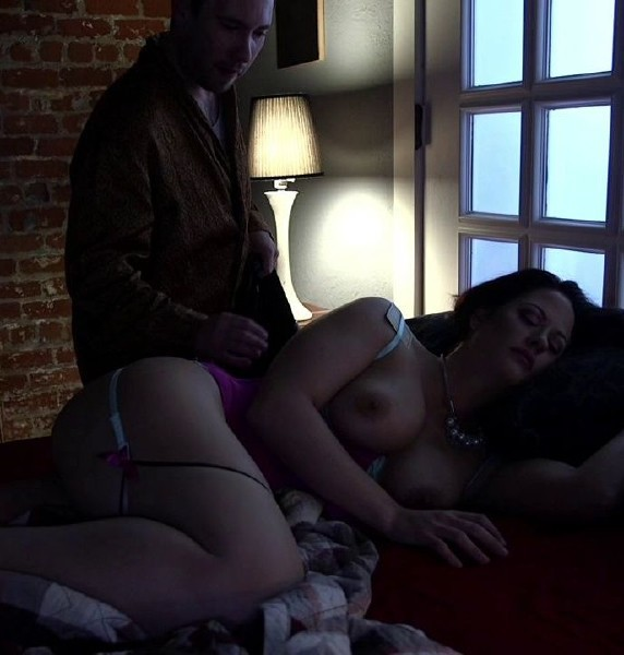 Holly Heart - Hot MILF Wife Gangbanged and Glazed By Husbands Friends! 720p Cover