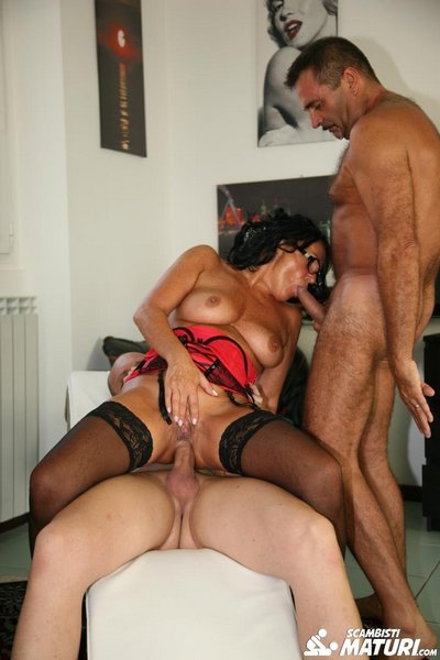 Laura Rey - Cum on Tits and Face For Brunette Italian Mature in Amateur MMF Threesome - 15.11.2016