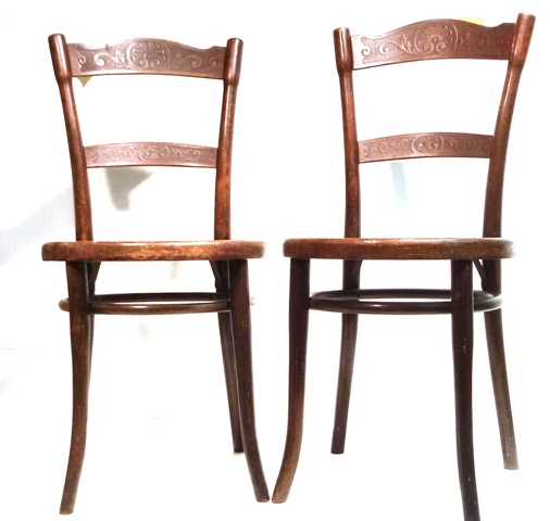 jugendstil 2x thonet stuhl bugholzstuhl cafehausstuhl reliefmuster ebay. Black Bedroom Furniture Sets. Home Design Ideas