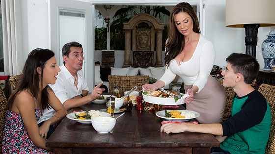 [MilfsLikeItBig] Kendra Lust - Kendra's Thanksgiving Stuffing Stream