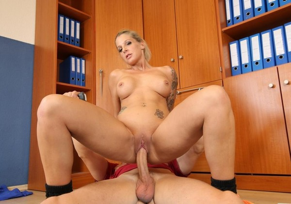 Samy Fox - Cum on tits for blonde German sports instructor after sex with client 26.11.2016