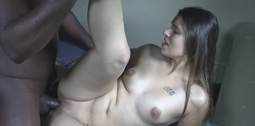 Iti32ao7 in BBC 553 - Creampie vom Monsterschwanz
