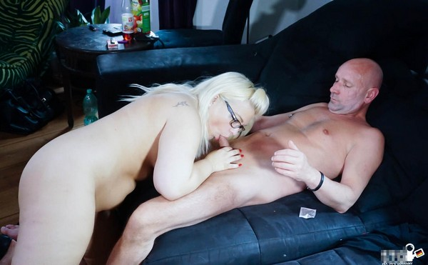 Mariella Sun - Missionary to doggy drill for chubby German blonde slut in first time porn 29.11.2016