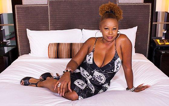 Syrah - Sexy ebony with voluptuous body E409 2016-11-30