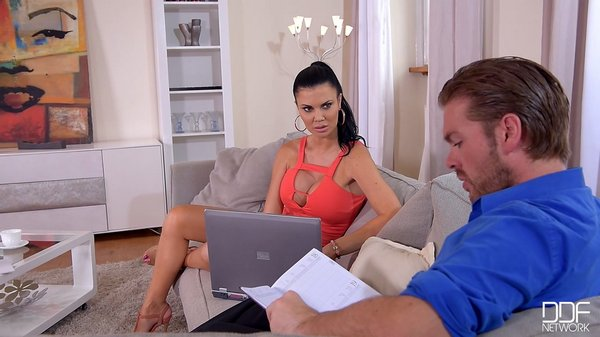 Jasmine Jae - Deep Throat Sperm Refill, British Hottie Swallows Dick04.01.2017
