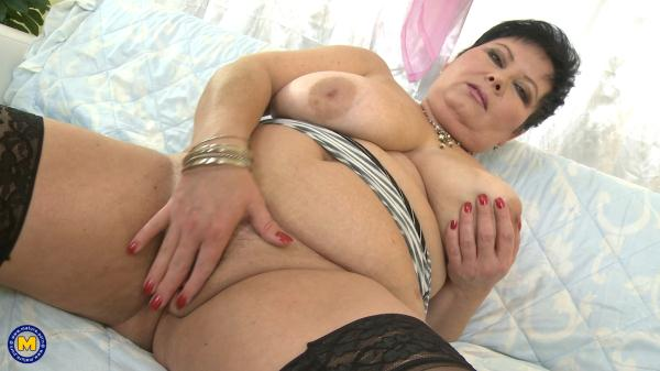 Hot solo mature nudes