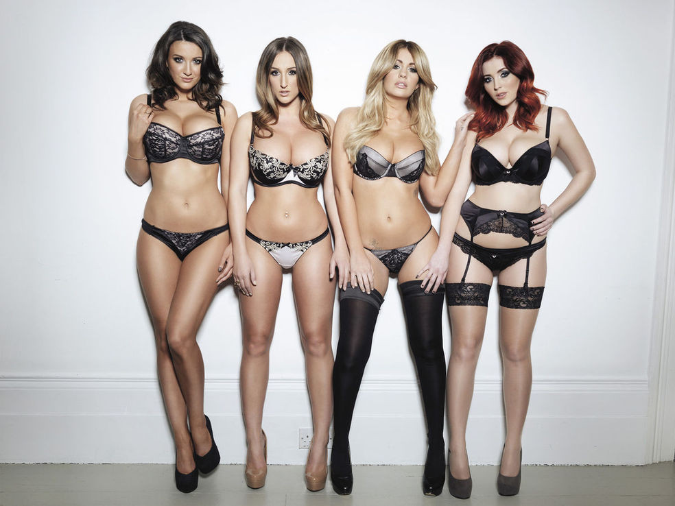 Holly Peers Lucy Collett Joey Fisher und Stacey Poole Nuts February 2014