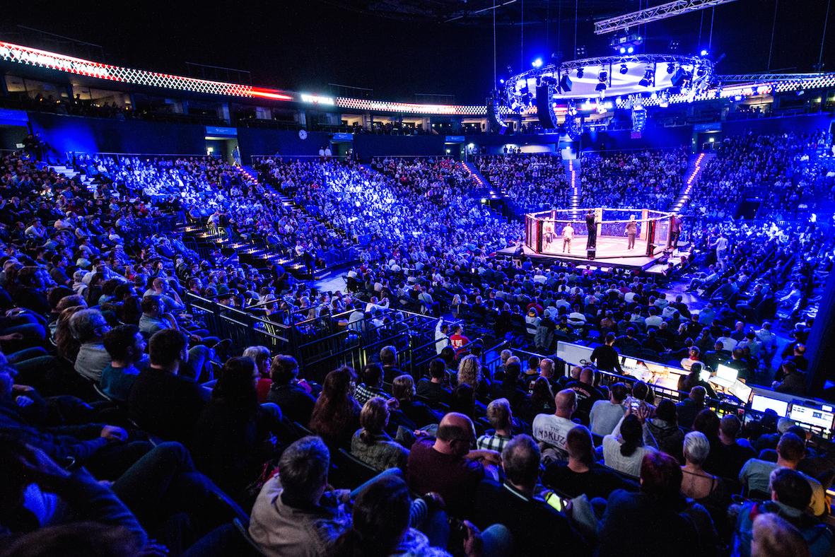 Kleine Olympiahalle am 18.02.2017: WE LOVE MMA 29 in München ...