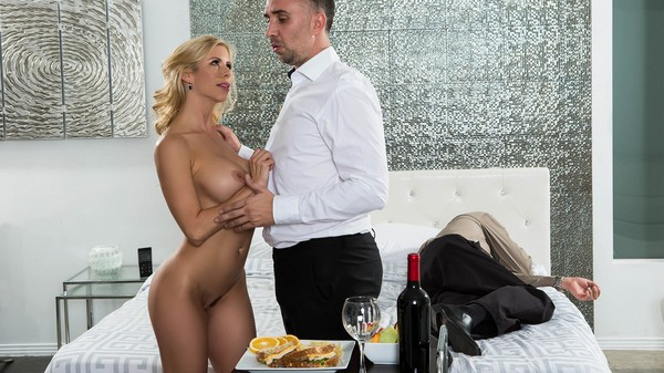 Alexis Fawx - While My Husband Was Passed Out 19.01.2017 Cover