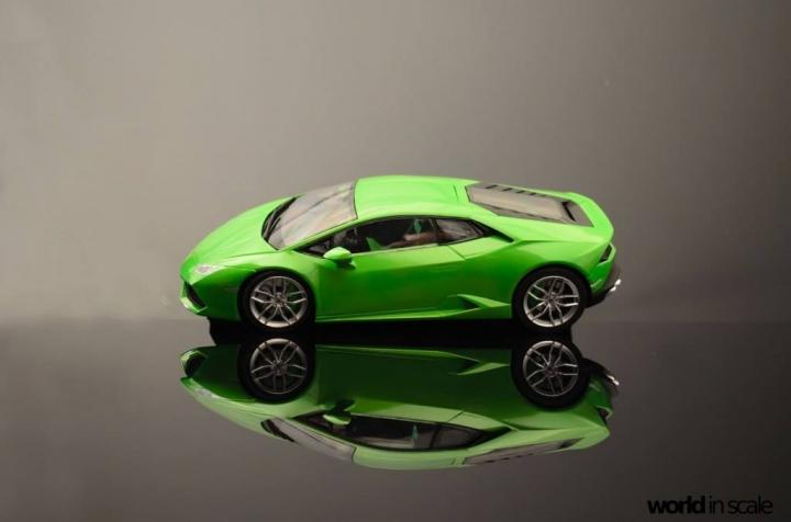 Lamborghini Huracán LP 610-4 - 1/24 by Aoshima Es5zr7k8