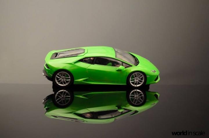 Lamborghini Huracán LP 610-4 - 1/24 by Aoshima W9569pci