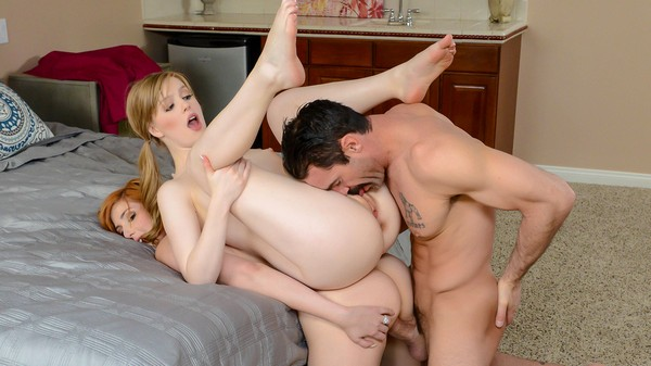 Dolly Leigh, Lauren Phillips - Good Things Cum in Small and B...