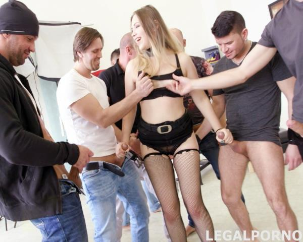 Selvaggia - 7 On 1 Double Anal GangBang Selvaggia, With Sperma Party GIO340 1080p