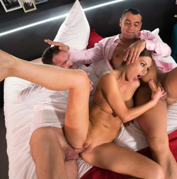 Antonio Ross, Tina Kay, Pablo Ferrari - Naughty British babe Tina Kay gets DP by her Spanish lovers in MMF action 1080p