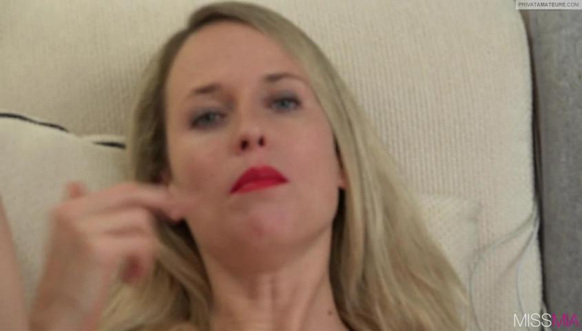 MissMia – 180 Sekunden Arschfick bis zur xxl Gesichtsbesamung