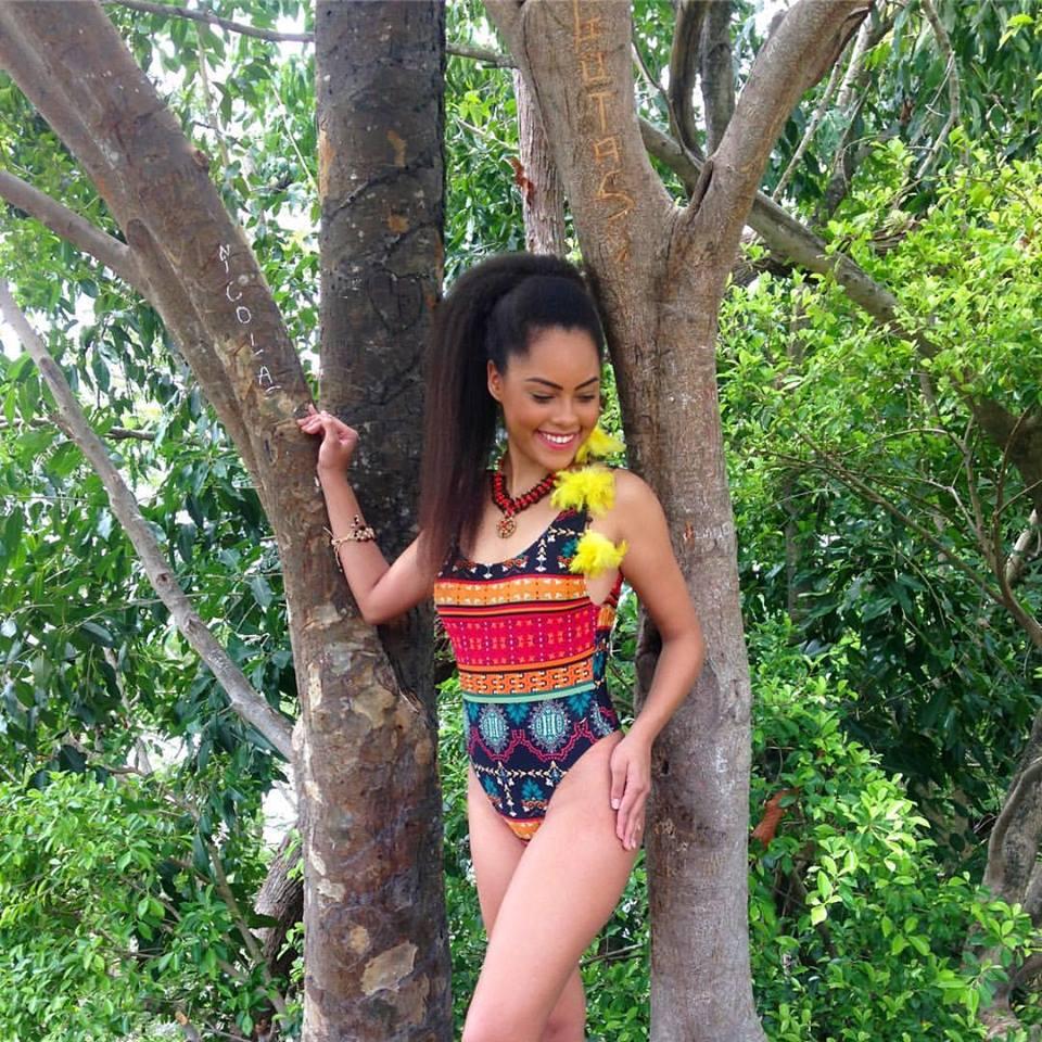 natali vitoria, miss roraima mundo 2020/top 15 de miss brasil universo 2019 /miss brasil teen universe 2017. primeira miss negra a vencer o miss roraima. 6uxhwukl