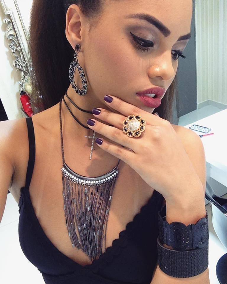natali vitoria, miss roraima mundo 2020/top 15 de miss brasil universo 2019 /miss brasil teen universe 2017. primeira miss negra a vencer o miss roraima. - Página 2 Mdt53ve5