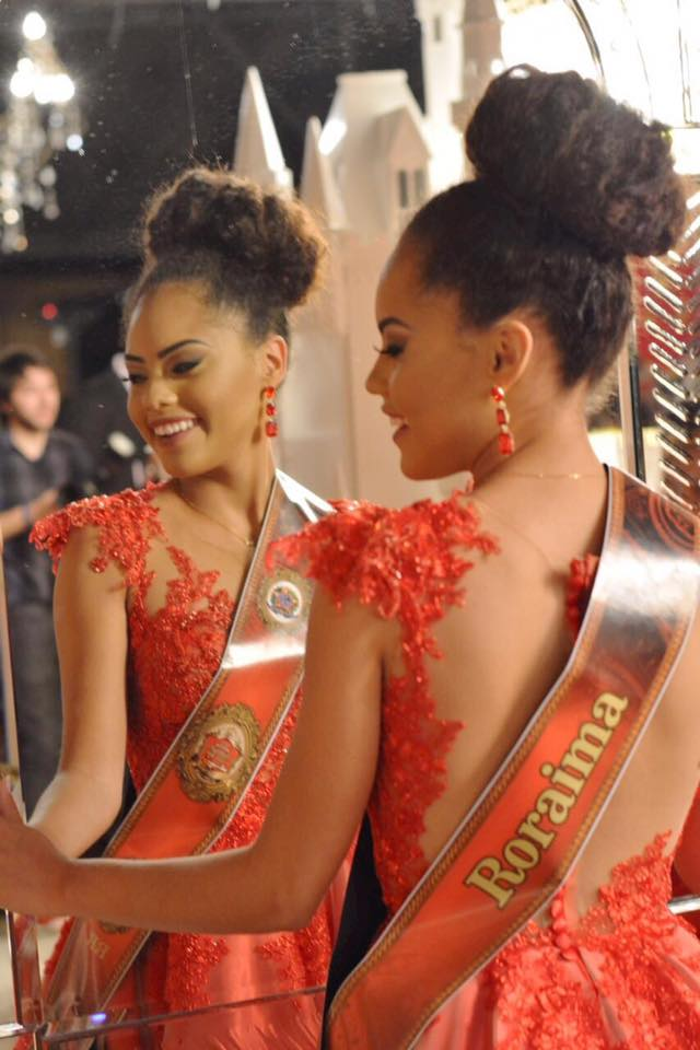 natali vitoria, miss roraima mundo 2020/top 15 de miss brasil universo 2019 /miss brasil teen universe 2017. primeira miss negra a vencer o miss roraima. - Página 3 Wimmh29l