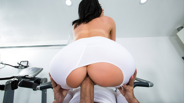 Jaclyn Taylor - His Wife Squats - On My Dick 07.04.2017