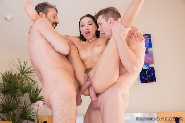 Vicki Chase - Hot Latina Double Anal Creampie