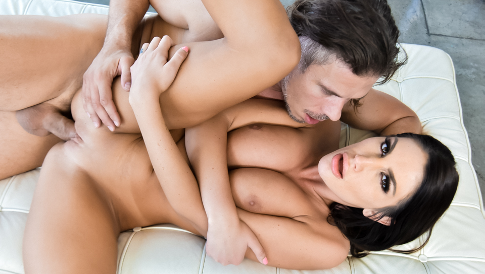 Front [HardX] August Ames - Naturally Stacked DD's