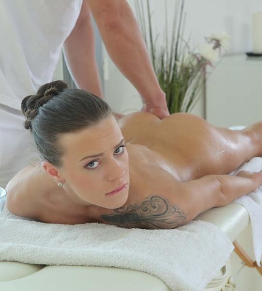 Lita Phoenix - Lust on massage table 2160p