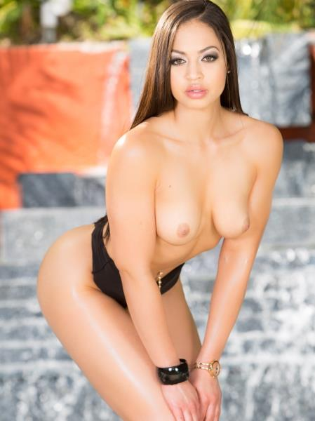 Karissa Kane - Is Back! This Young Hot Latina Is Ready For Maximum Penetration 2160p