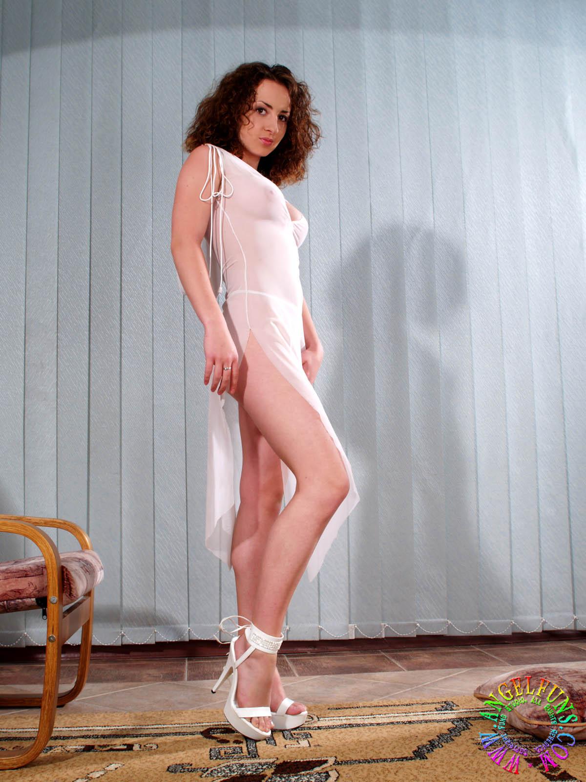 Julie - 021 - Pics
