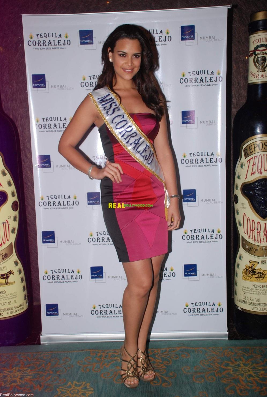 elisa najera, top 5 de miss universe 2008. 9h6uuax3