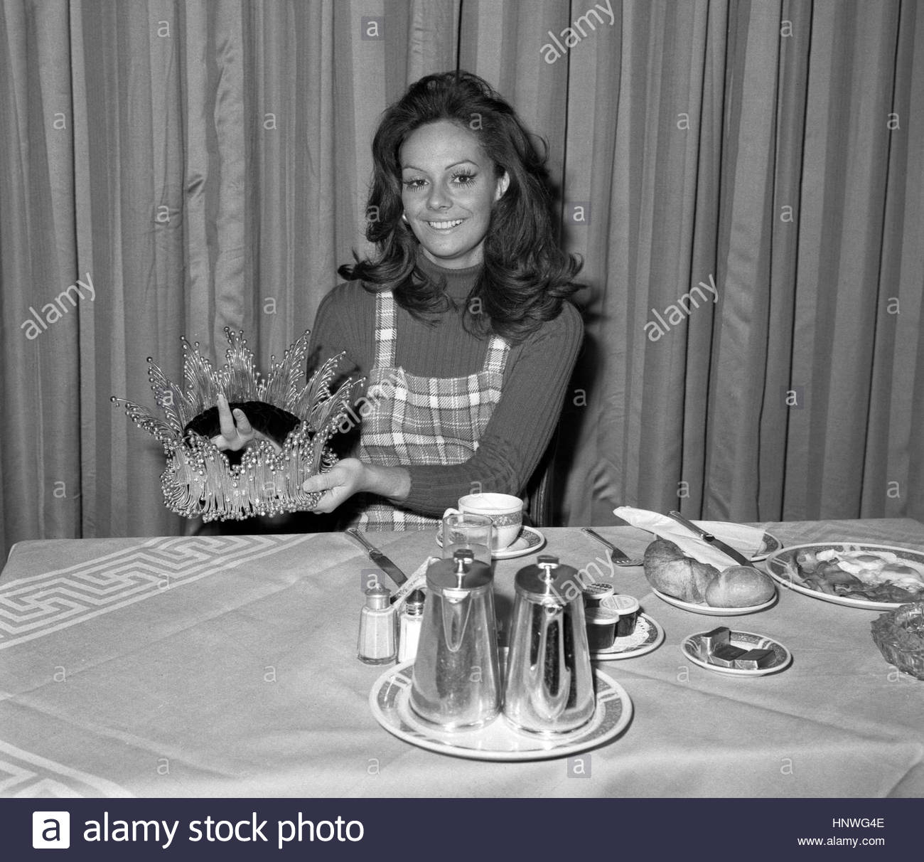 "˜*•. ˜""*°•.˜""*°••°* Lucia Petterle, Miss World 1971. ˜*•. ˜""*°•.˜""*°••°* - Página 2 Kkg6jnav"