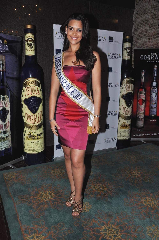 elisa najera, top 5 de miss universe 2008. Kxtka6ka