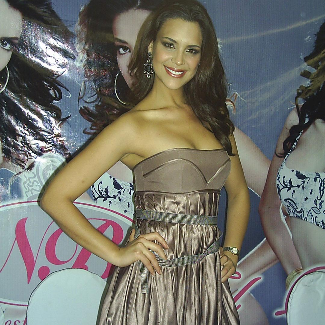 elisa najera, top 5 de miss universe 2008. - Página 2 Ppt479r9
