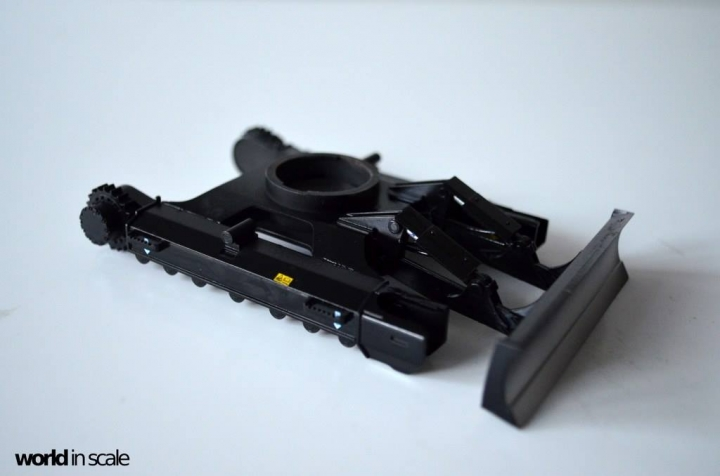 Hitachi ZAXIS 135US - 1/35 by Hasegawa 9dk4ddnm