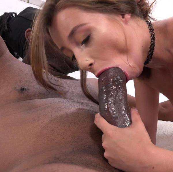 Carolina Sweets - Oh Damn! So Sweet With 12 Inches In Her (2017/SD)