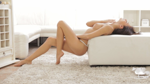 Michaela Isizzu - Alone Time