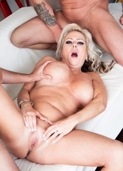 Samantha Jay - For the MILF who has everything two cocks! (2017/SD)