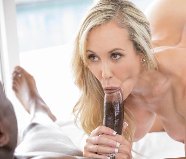 Brandi Love - I Couldnt Help Myself... (2017/HD)